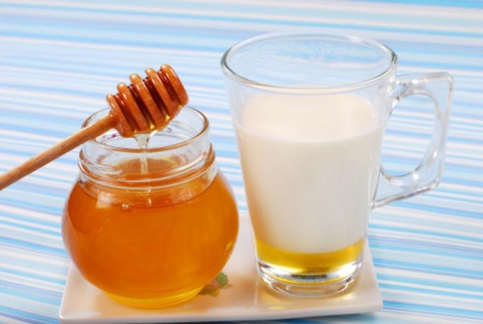 5 lợi ích tuyệt vời của mặt nạ mật ong sữa 2