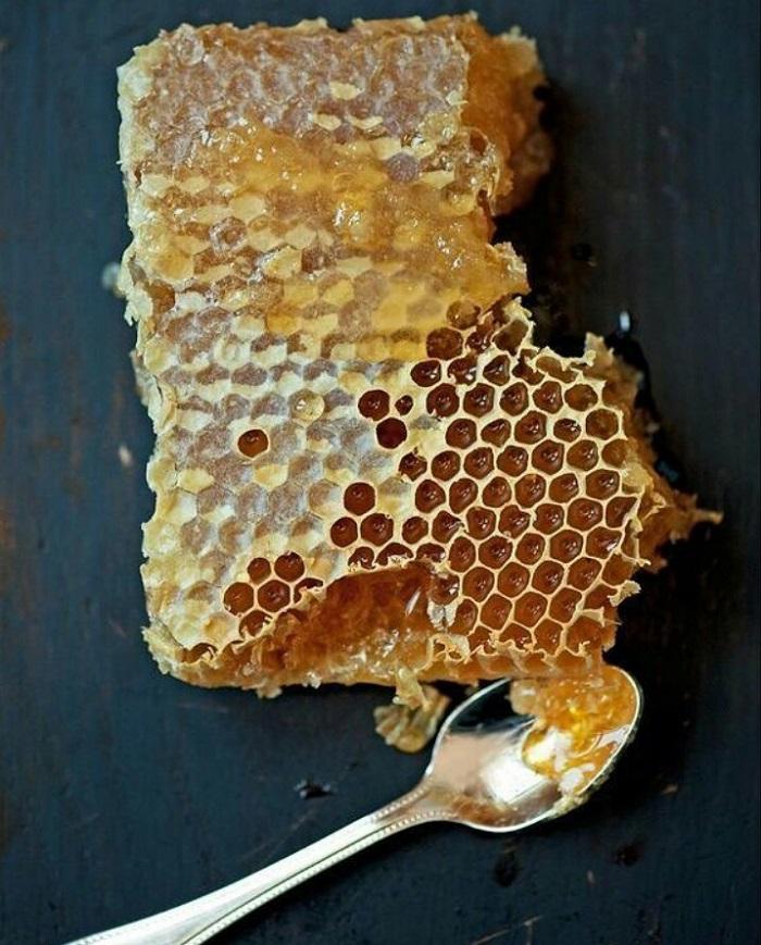 mật ong nguyên chất dưỡng da lưng