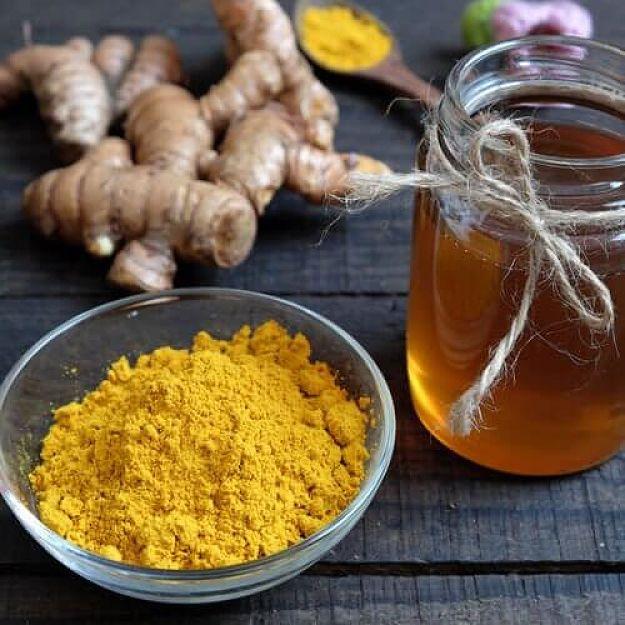 cách uống tinh bột nghệ với mật ong